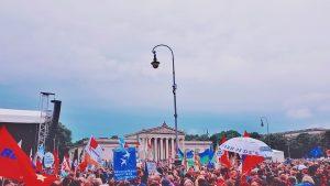 #ausgehetzt-Kundgebung auf dem Königsplatz in München